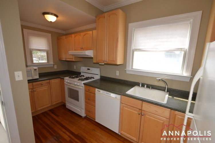117 Smith Ave Unit A-Kitchen a(2).JPG