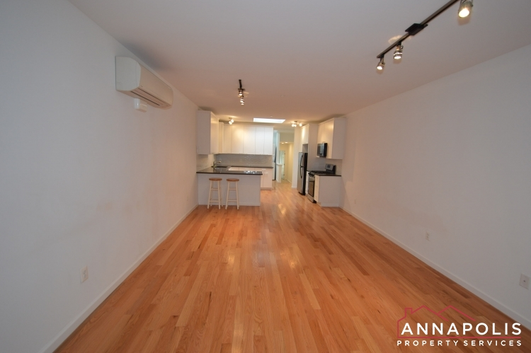 232 West Street-Living room b(1).JPG