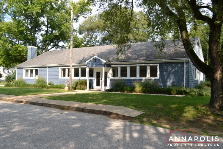 969 Mount Holly Dr-Capre St Claire club house.JPG