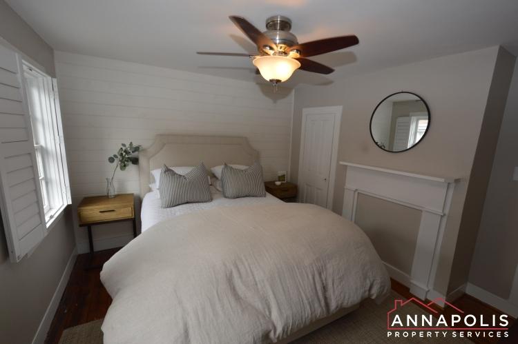 34 Pinkney St-Bedroom 1b (1).JPG