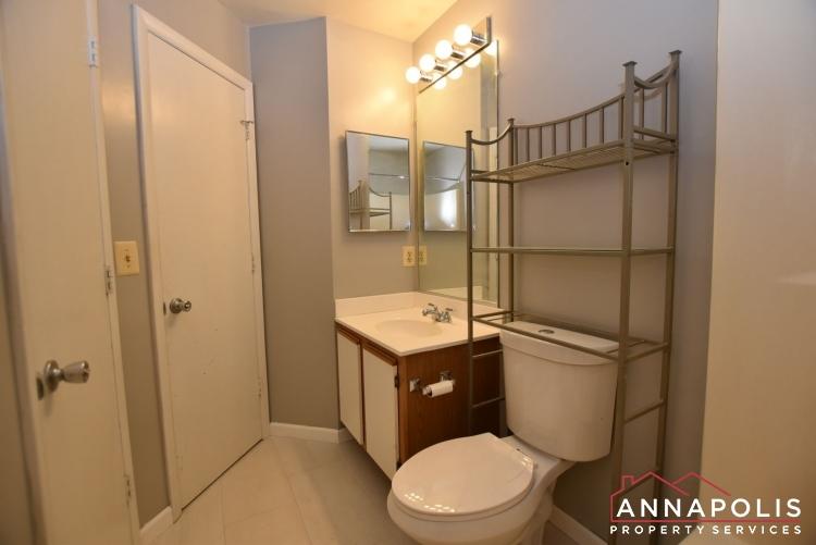 50E Greystone Court-Main bathroom a.jpg