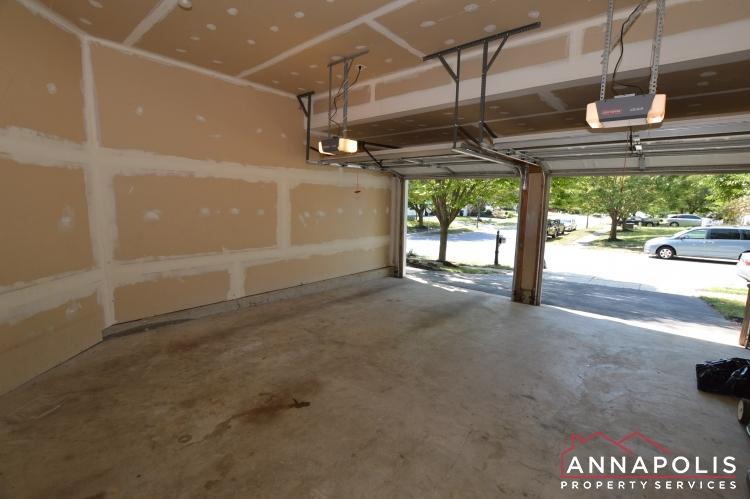 122 Farmbrook Lane-Garage a.JPG