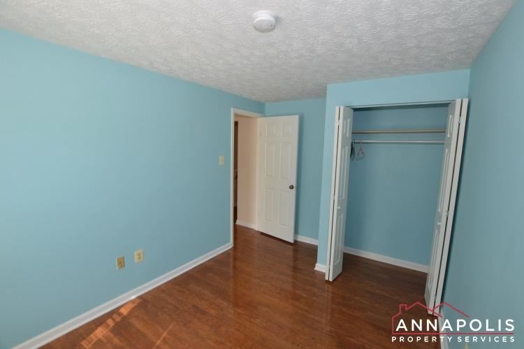 902 Bank St-Bedroom 2b(3).JPG