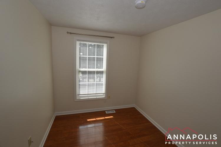 902 Bank St-Bedroom 3a(1).JPG