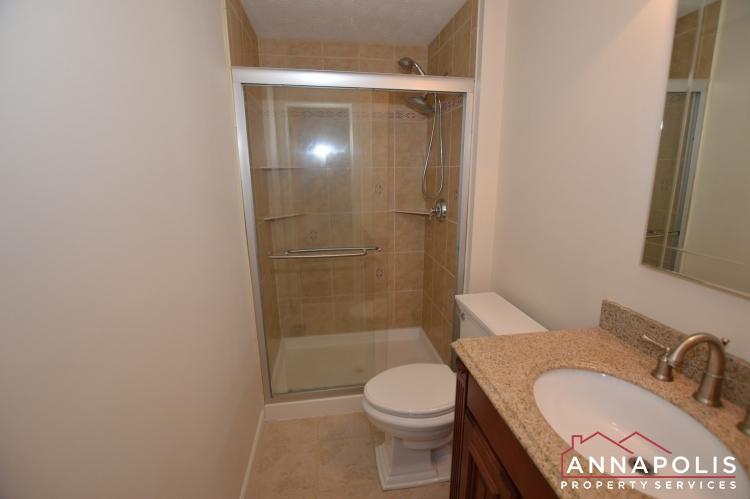 902 Bank St-Master bathroom h.JPG