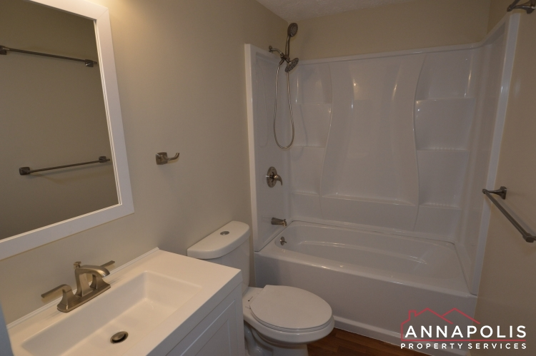 1184 White Coral Court-Upper bath bn.JPG