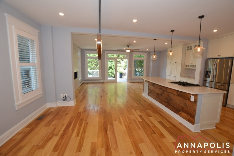6 Revell St-Dining and kitchen a.JPG