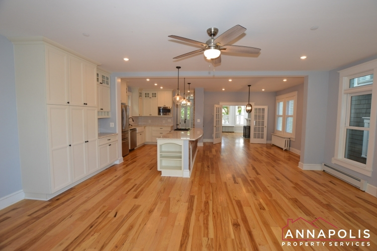 6 Revell St-Living and kitchen a.JPG