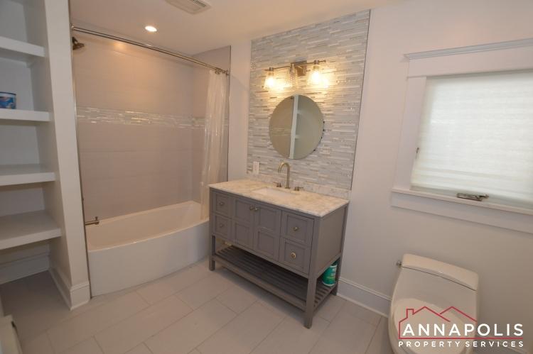 6 Revell St-Main bathroom.JPG