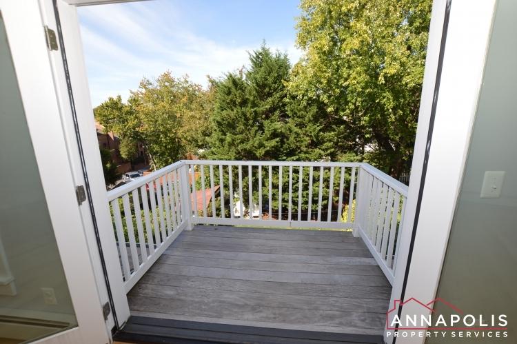 6 Revell St-Master balcony.JPG