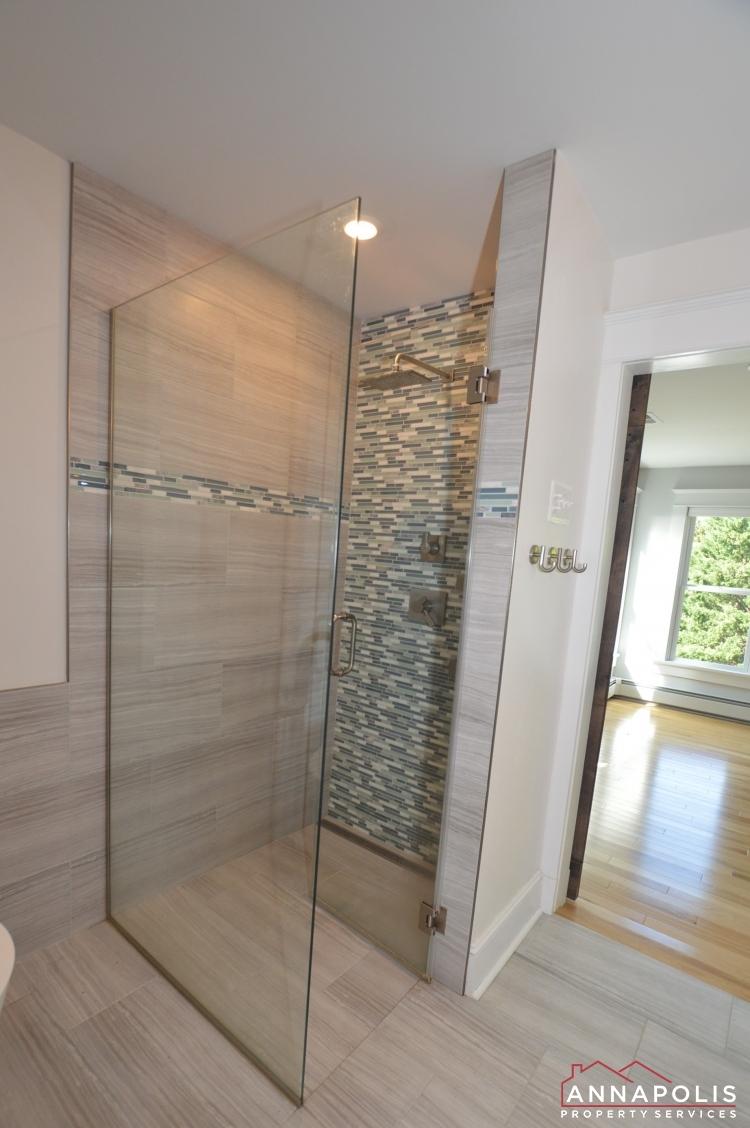 6 Revell St-Master bathroom shower v ed.JPG