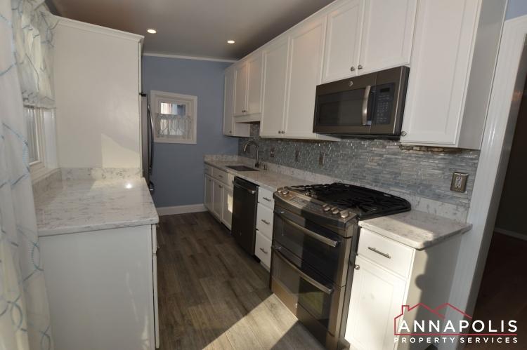 404 Washington Drive-Kitchen a1(1).JPG