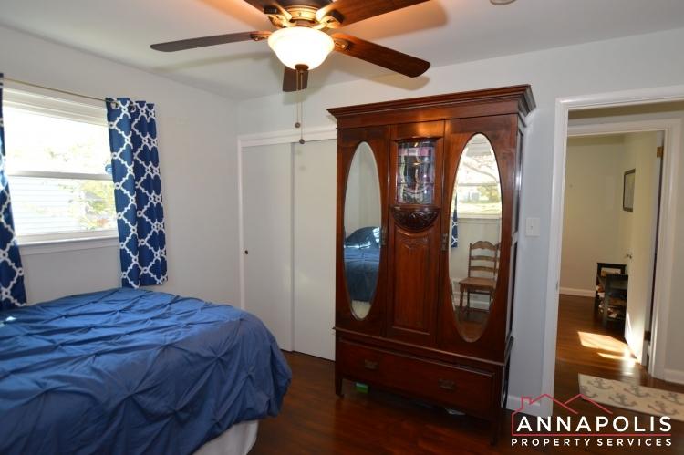 757 Warren Dr-Bedroom 2b(3).JPG