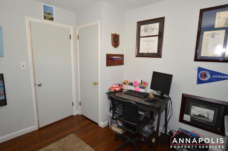 757 Warren Dr-Bedroom 3b.JPG