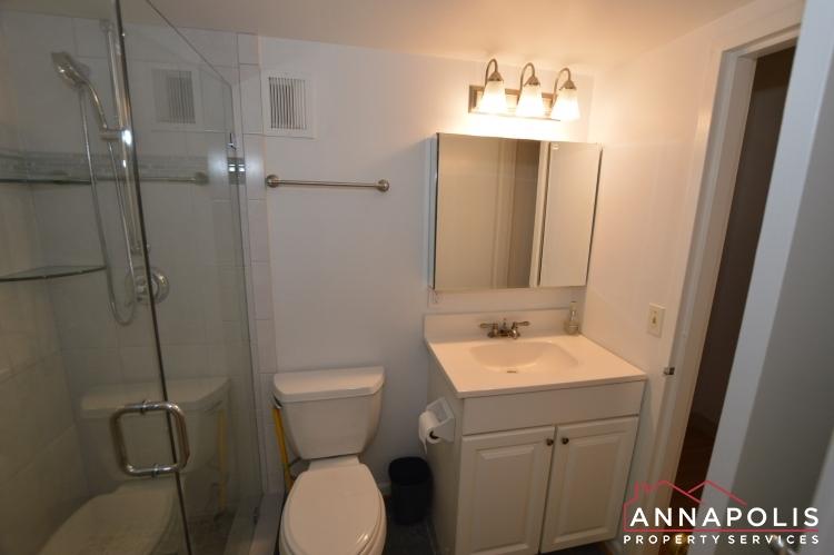 316 Burnside #404-Bathroom a.JPG