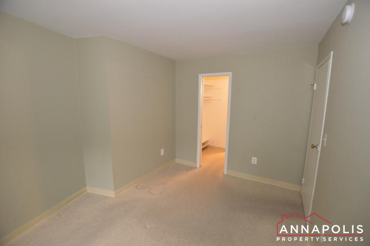 316 Burnside #404-Bedroom b.JPG