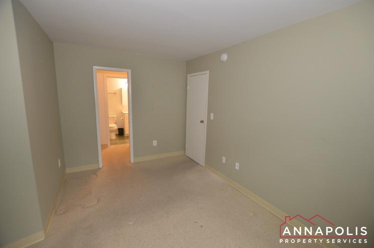 316 Burnside #404-Bedroom c.JPG