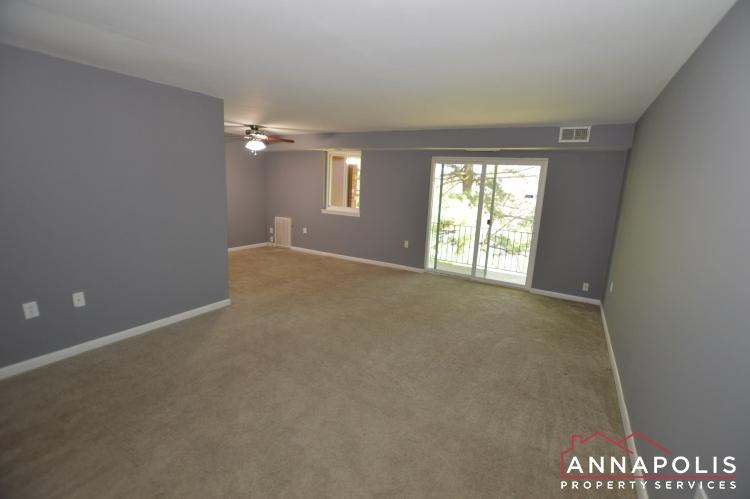 205G Victor Parkway-Living room a(1).JPG