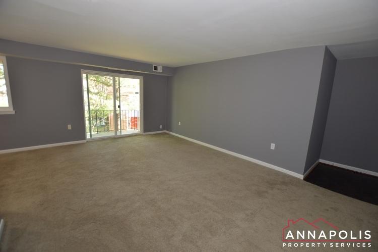 205G Victor Parkway-Living room g.JPG
