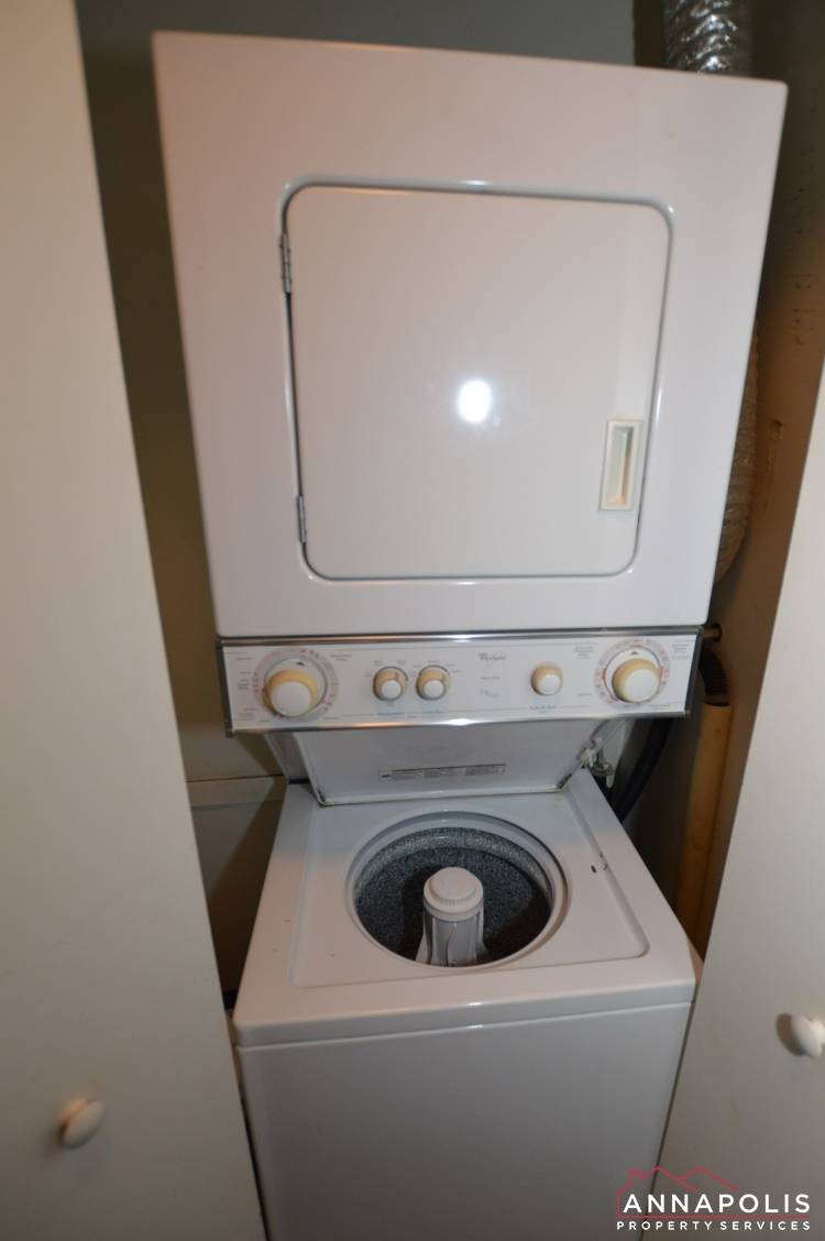 205G Victor Parkway-Washer and dryer V2.jpg