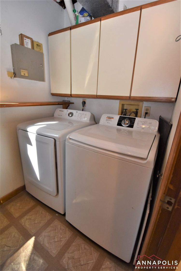 731 Rosedale Street-Washer and Dryer 1a.JPG
