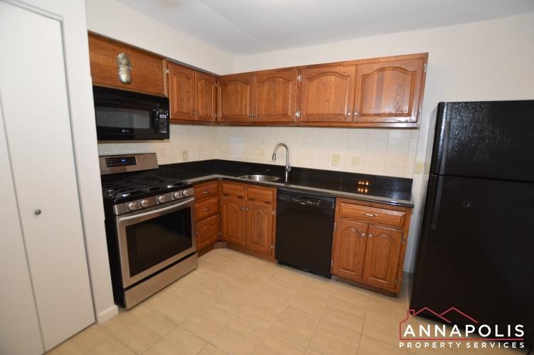 799E Fairview Avenue-Kitchen b(3).JPG
