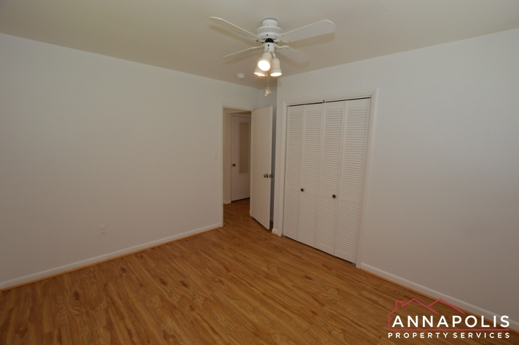 1331 Linden Avenue-Bedroom 1b(5).JPG