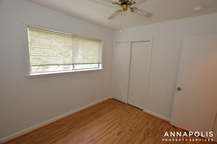 1331 Linden Avenue-Bedroom 2b(7).JPG