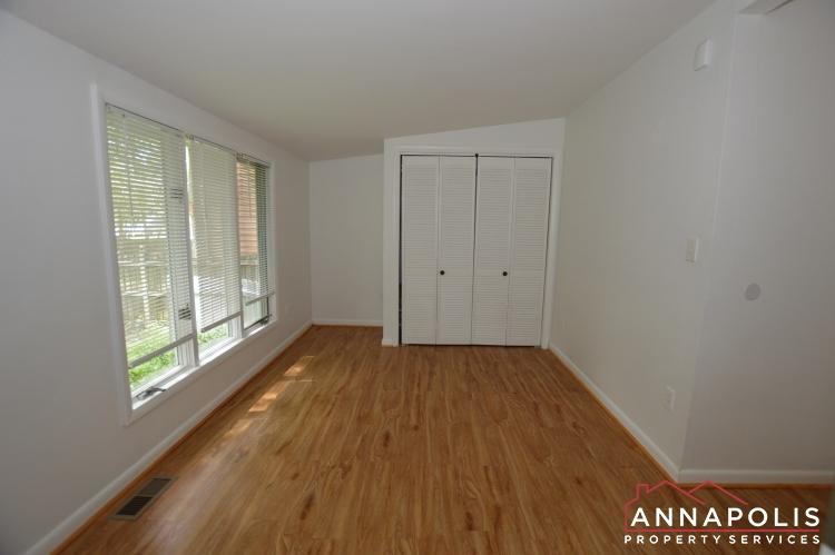 1331 Linden Avenue-Bedroom 3a(5).JPG