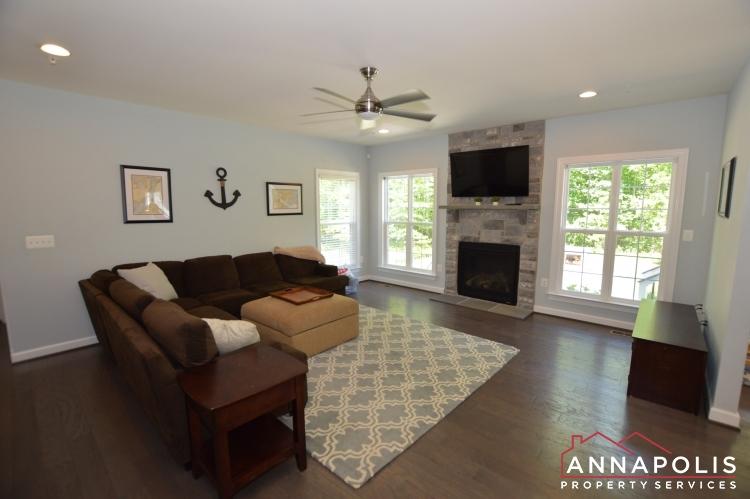 678 Loch Haven Road-Living room c.JPG