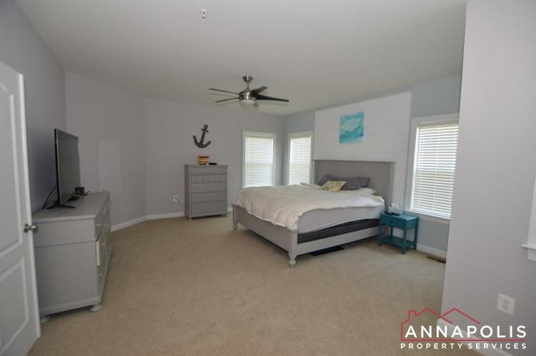 678 Loch Haven Road-Master bedroom a(1).JPG