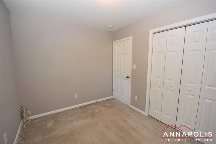 442 Poplar Lane-Bedroom 2a(9).JPG