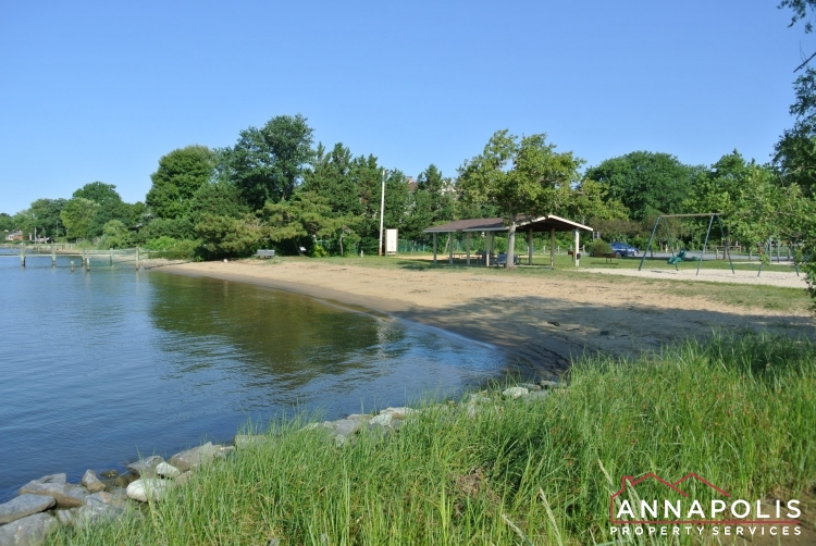 442 Poplar Lane-Community beach.JPG