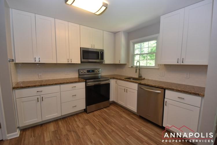442 Poplar Lane-Kitchen 1a.JPG