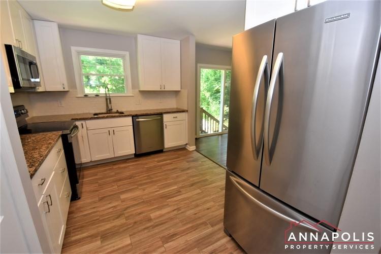 442 Poplar Lane-Kitchen 1b.JPG