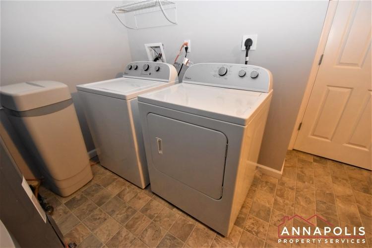 442 Poplar Lane-Laundry 1a.JPG