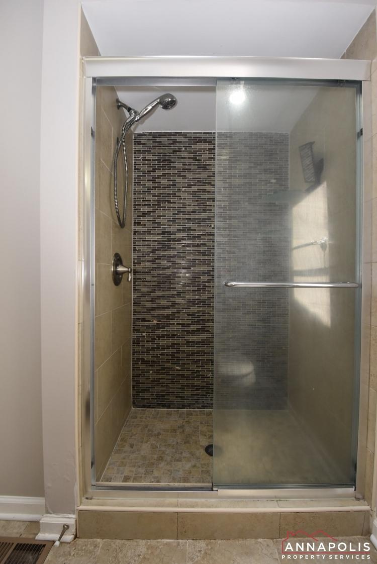 442 Poplar Lane-Master Bath 1b.jpeg