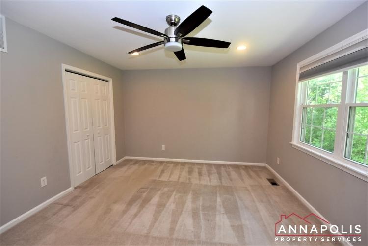 442 Poplar Lane-Master Bedroom 1a.JPG