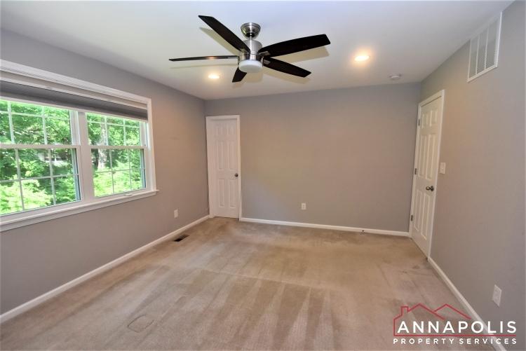442 Poplar Lane-Master Bedroom 1b.JPG