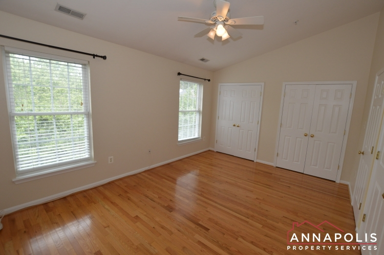 909 Arkblack Terrace-Bedroom 2a(9).JPG