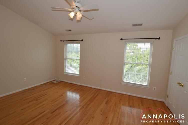 909 Arkblack Terrace-Bedroom 2b(9).JPG
