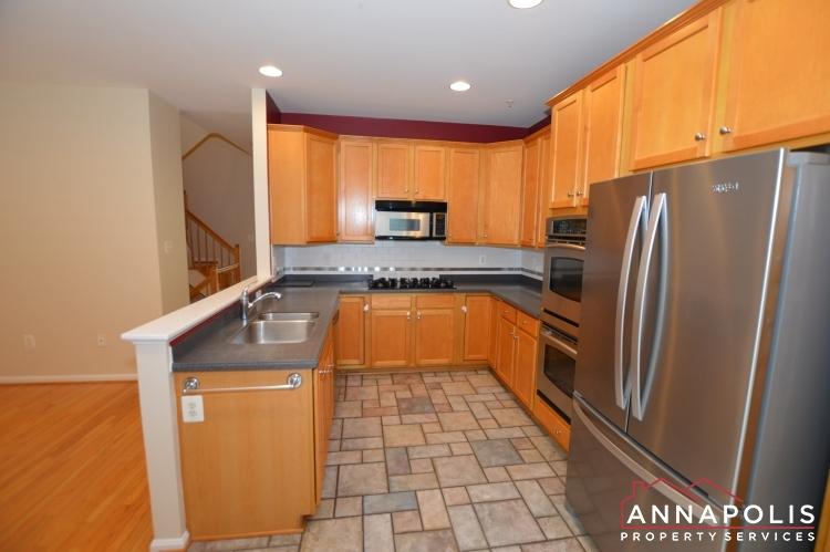 909 Arkblack Terrace-Kitchen e(1).JPG
