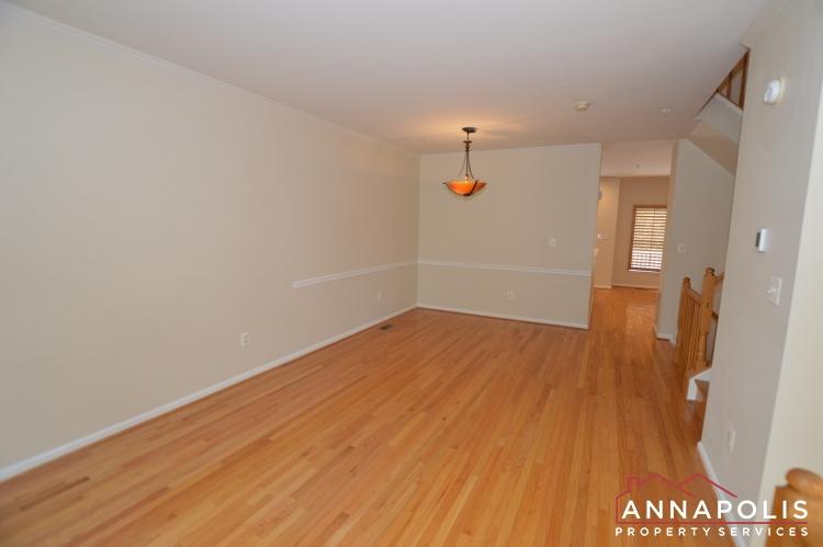 909 Arkblack Terrace-Living room b(1).JPG
