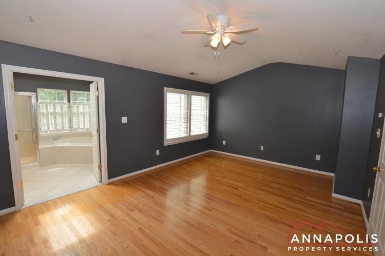909 Arkblack Terrace-Master bedroom a(1).JPG