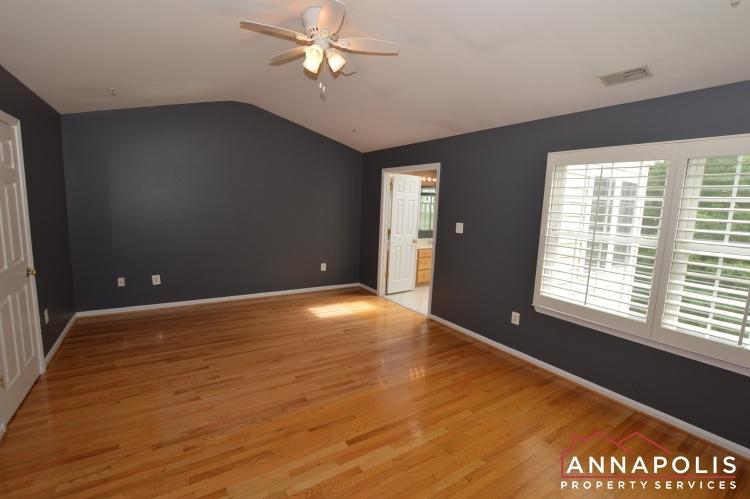 909 Arkblack Terrace-Master bedroom b(1).JPG
