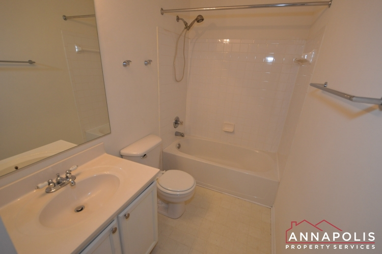 615 Baystone Court-Main bath room ann.JPG
