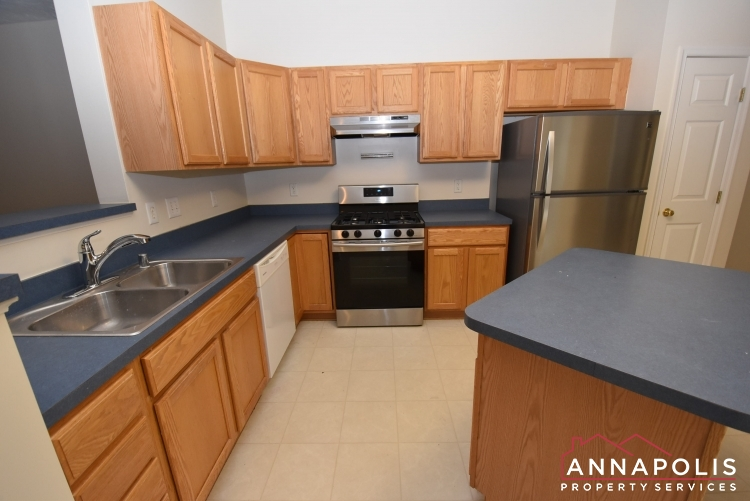 2812 Settlers View Drive-Kitchen 1cn.JPG