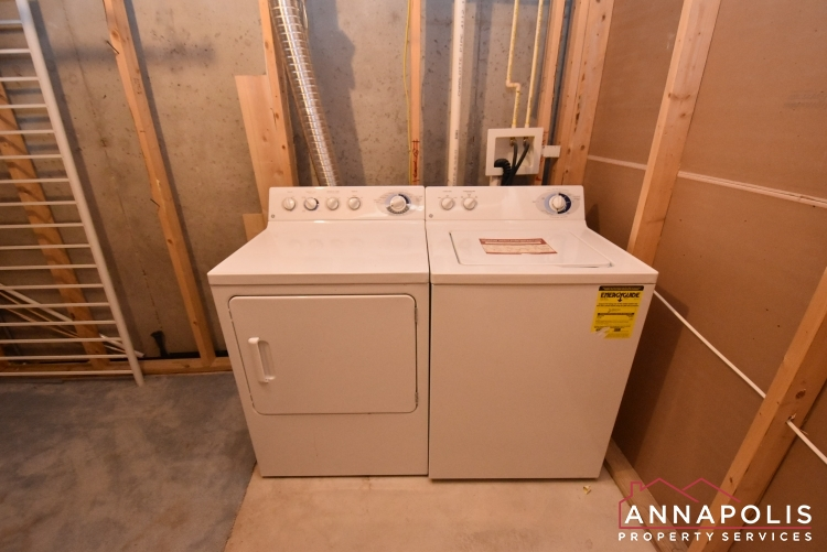 2812 Settlers View Drive-Washer and Dryer 1an.JPG