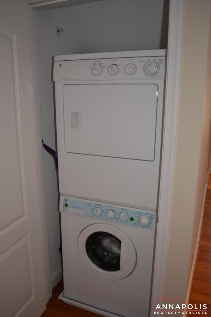 608 Melvin Ave # 201-washer and dryer.JPG
