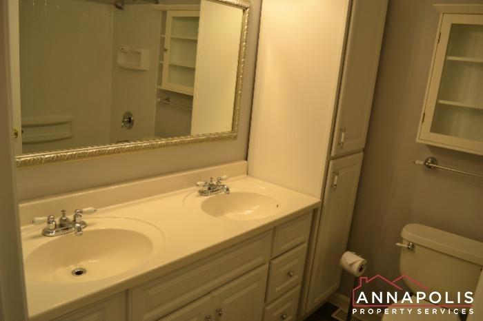 1661 Sham Court -Main Bathroom.jpg